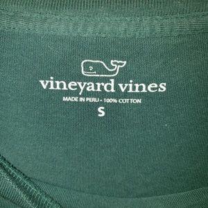 Vineyard Vines Shirts - Mens sz Small Vineyard Vines Christmas shirt